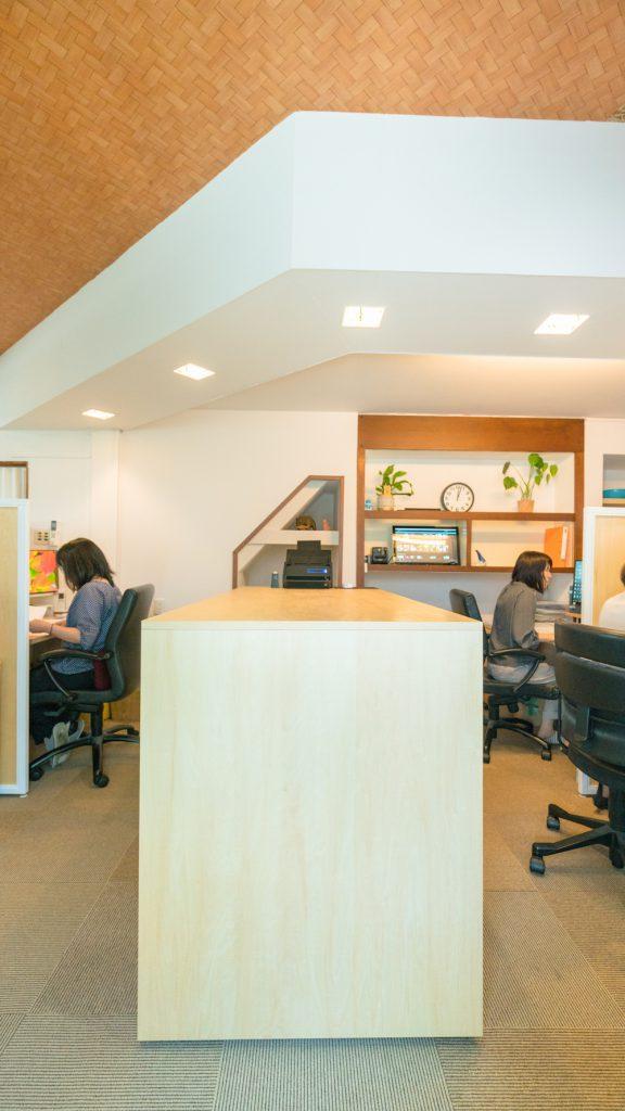 【オフィスデザイン事例紹介】嘉野内社会保険労務士事務所様 / ワーカーが主役!集中とコミュニケーションのバランスがとれたオフィス